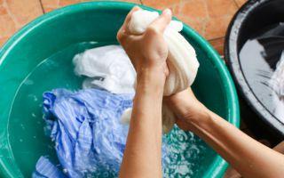 Как убрать запах сырости с одежды в домашних условиях?