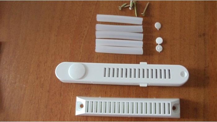 Клапан для глухого окна
