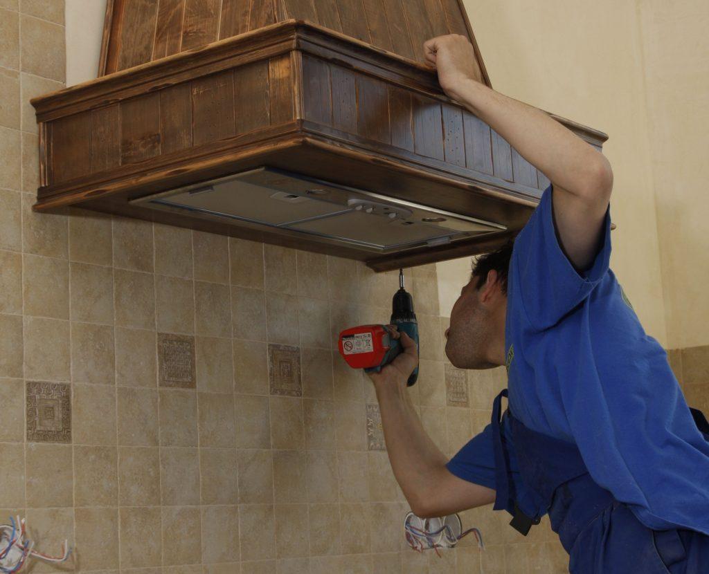 Устройство вытяжки на кухне в квартире