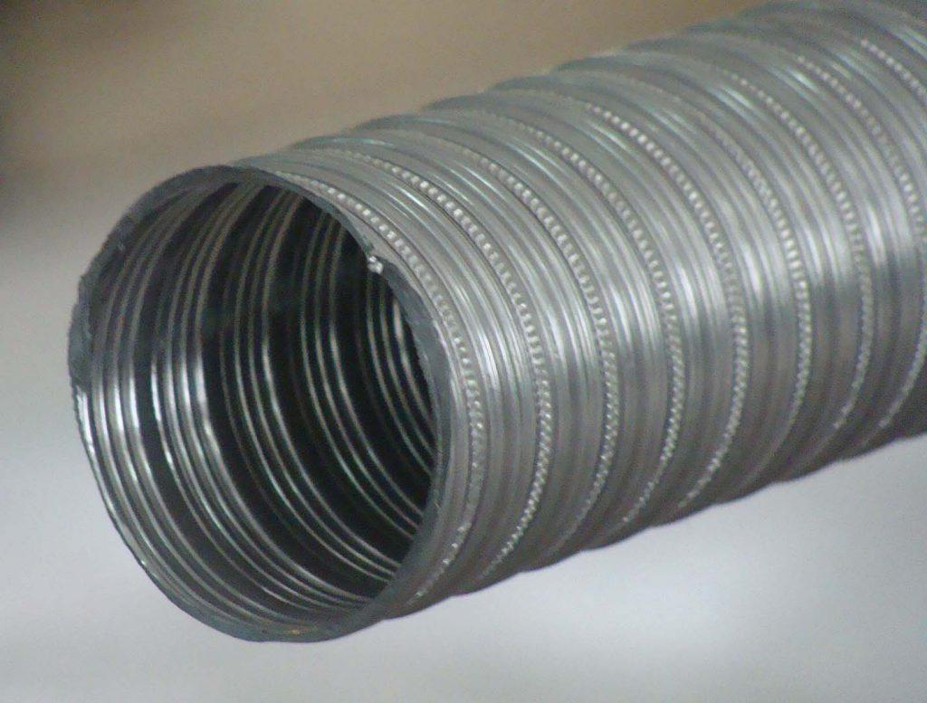 Стальной воздуховод-гармошка подходит для несложных систем