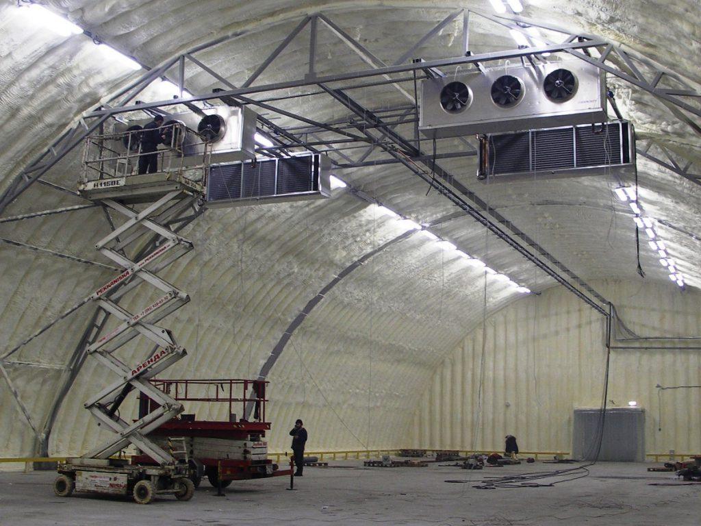 Вариант устройства принудительной вентиляции в производственном цеху