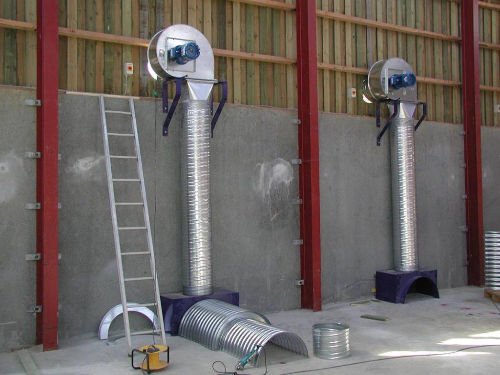 Воздуховоды часто устраиваются из не подверженных коррозии материалов