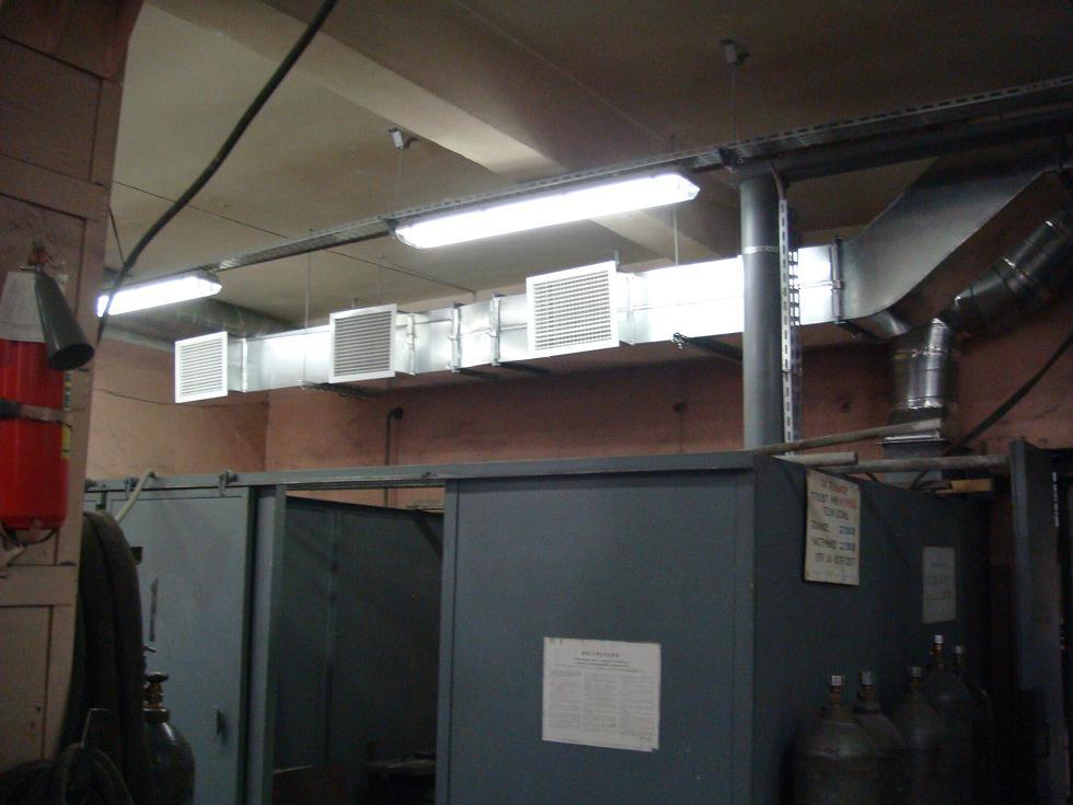 Общеместная вентиляция включает вытяжные вентиляторы