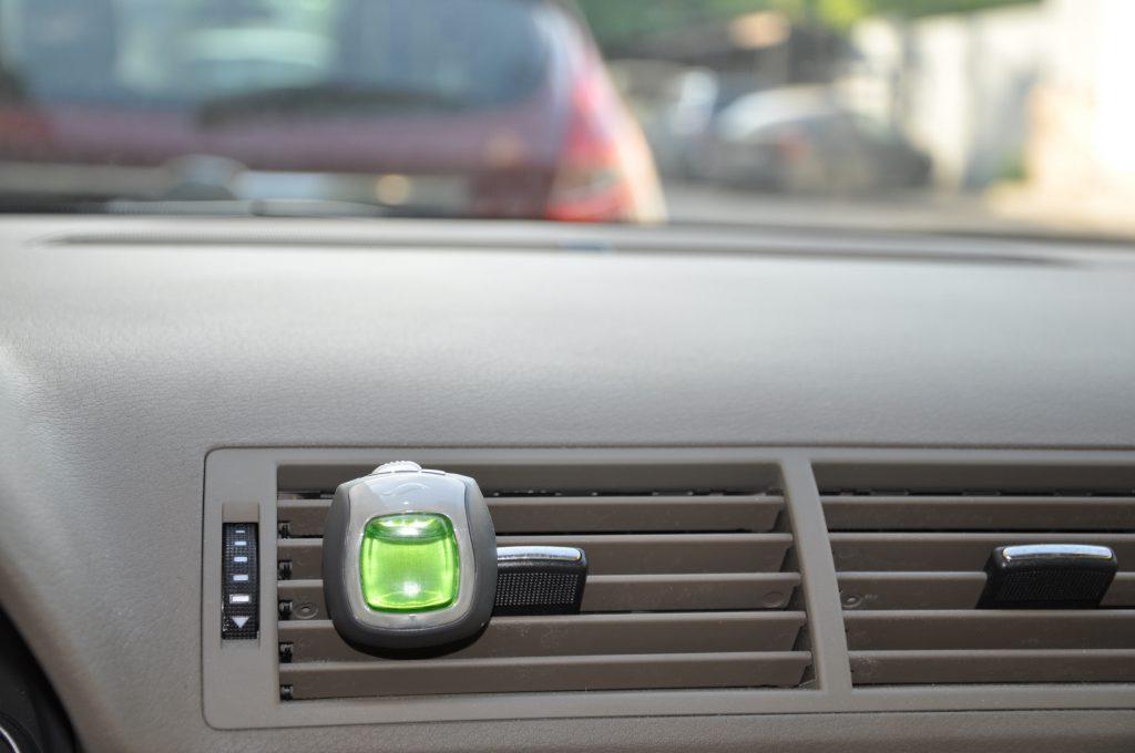 Автомобильный освежитель воздуха