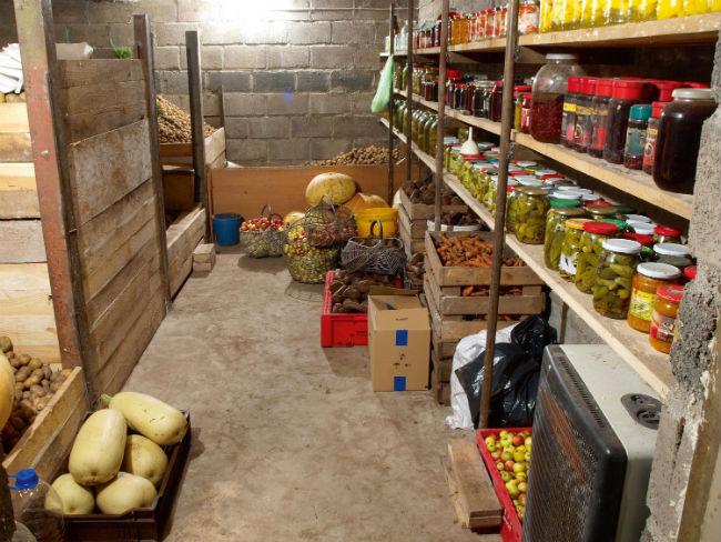 Правильное хранение продуктов в погребе