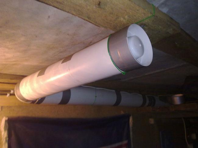 Вентилятор на трубе вентиляции