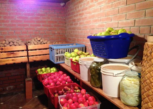 Подвал с овощами